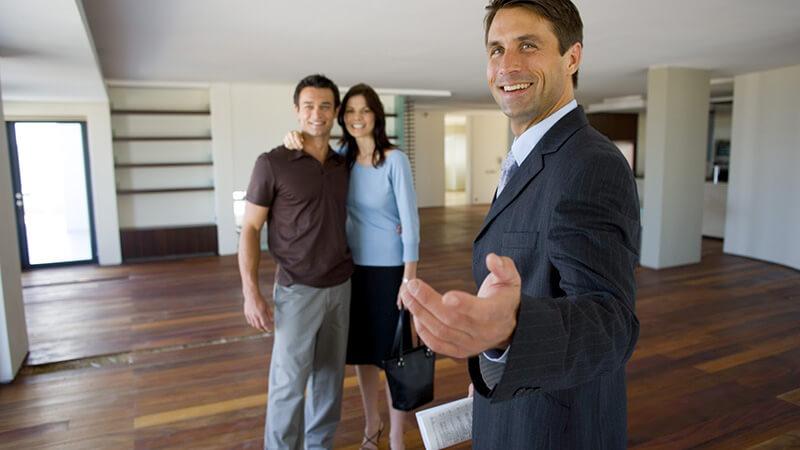 Ипотека на строительство дома: стоит ли пользоваться услугами риелтора?