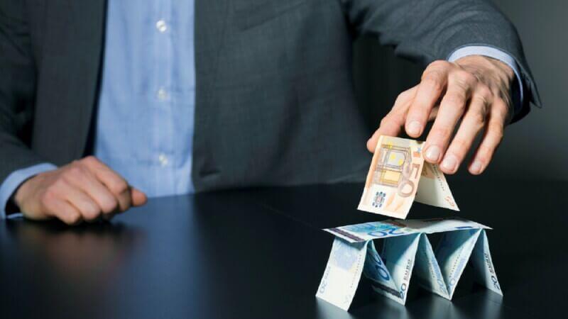 Перекредитование и финансовые пирамиды